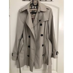 Burberry trench coat short length